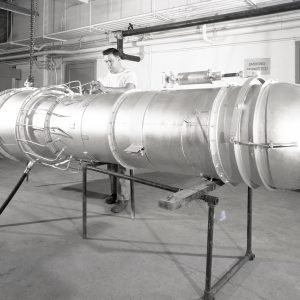 A tailpipe with variable-area nozzle for a General Electric TG-180 in the JPSL (1946)