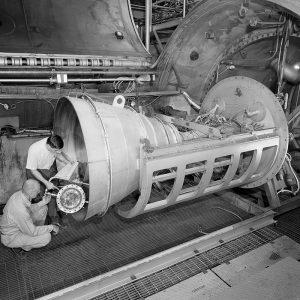 Installation of an Apollo Service Propulsion System contour nozzle in PSL No. 2.