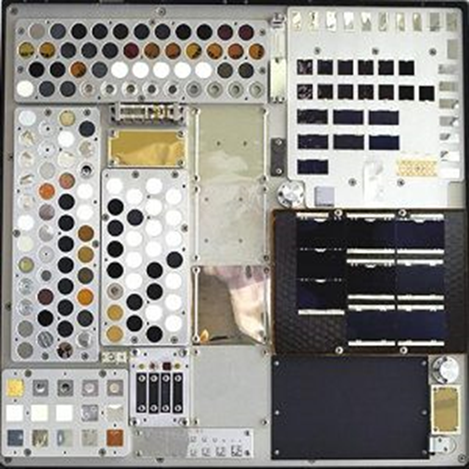 NASA Image: 2002-L-02093 – MISSE 4 Tray 2 deck