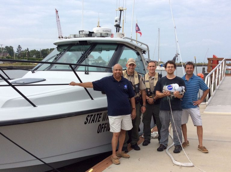 Ohio Department of Natural Resources (ODNR) boat and researchers